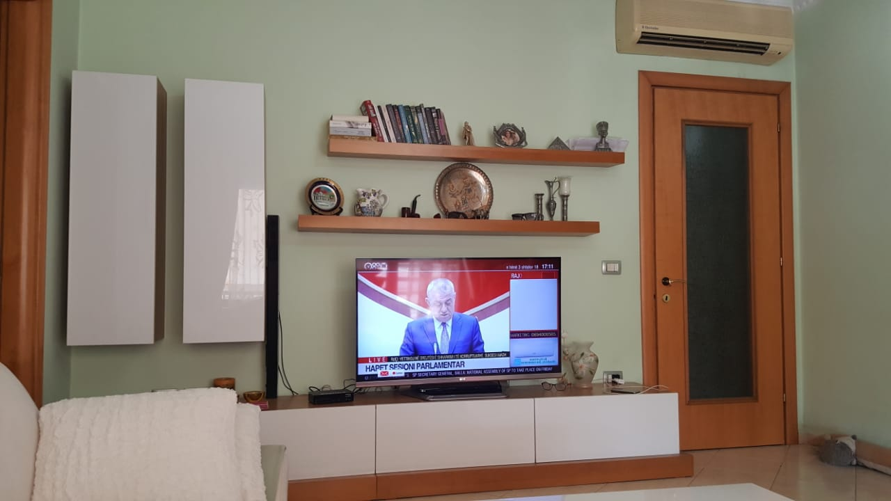 Shitet apartament 3+1 prane Zogut te Zi, Tirane.