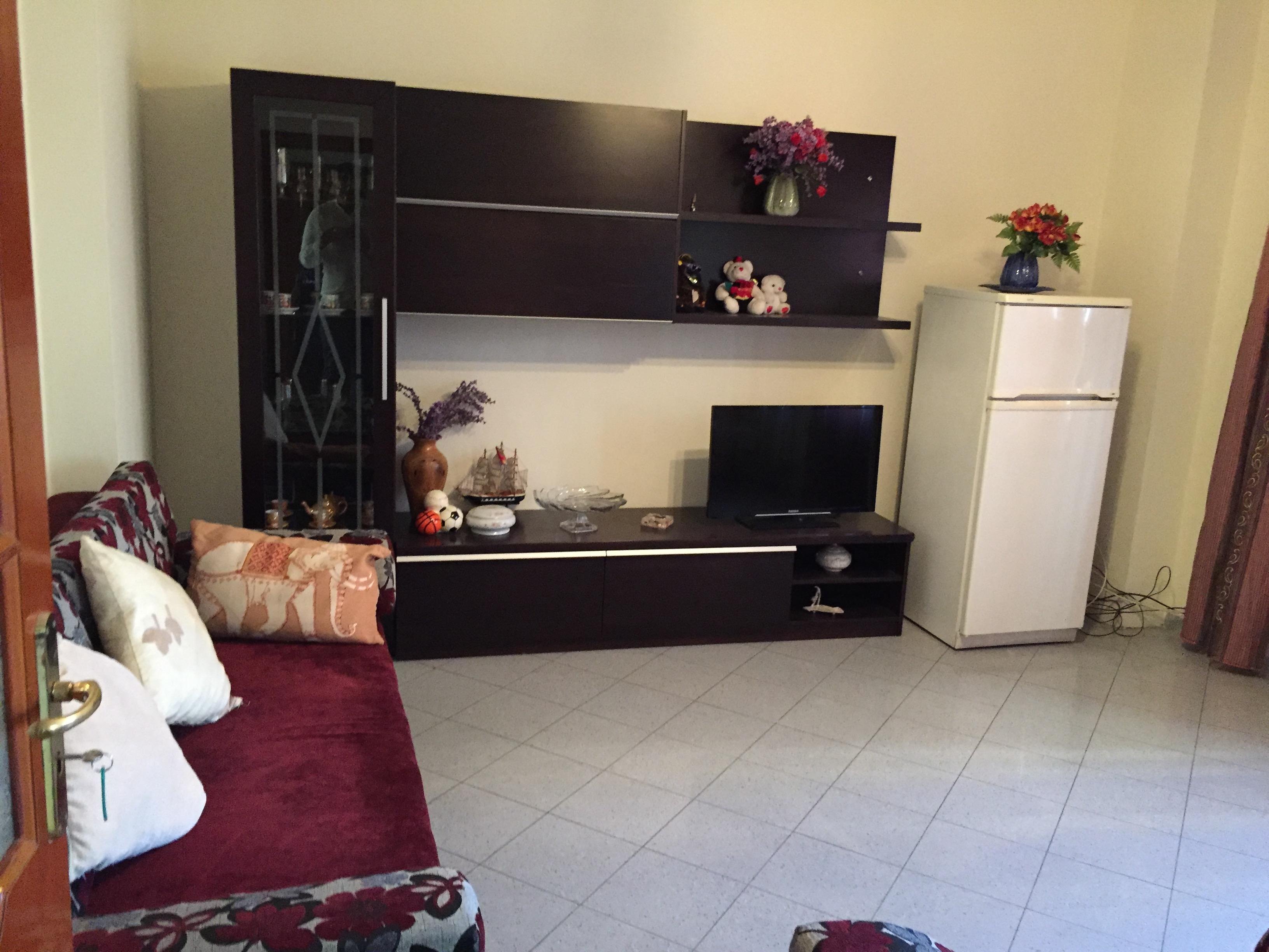 Jepet me qera apartament 2+1 ne rr. Islam Alla, Tirane.