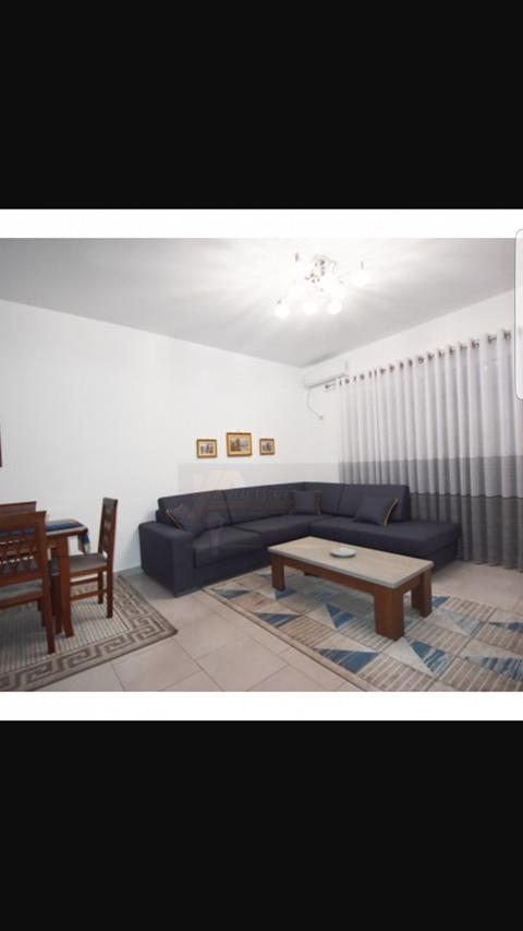 Shitet apartament 2+1 ne Sarande.