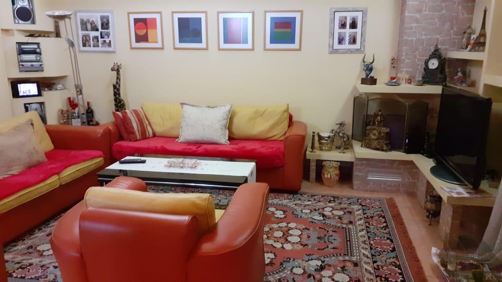 Shitet apartament 2+1 prane rr. Myslym Shyri, Tirane.
